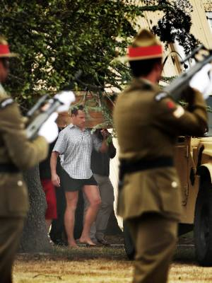 Pete Askin carries the coffin he made for his brother, former SAS soldier David Steven Askin.