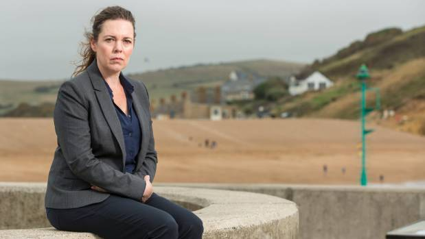 Olivia Colman says Ellie and Alec are like 'two old ladies having a go at each other'.