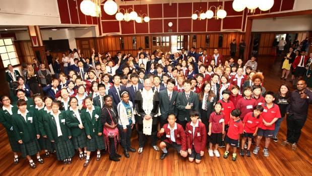 Mayor Damon Odey welcomes international students to South Canterbury.