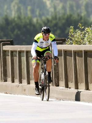 Craig Harper makes his way over the Wairau River Bridge and into Blenheim.