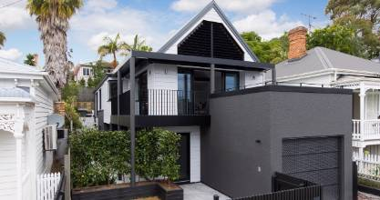 This 1990s house, sandwiched between traditional villas in Ponsonby, has undergone a complete restoration by Koia Architects.