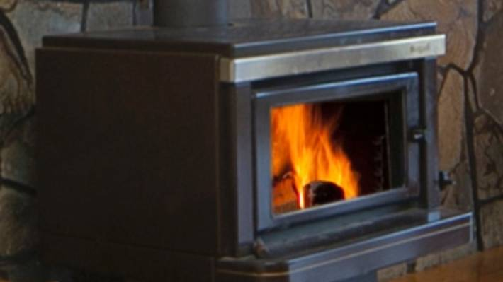 Proposed Fireplace Bylaw Prohibits Burning Wet Timber High