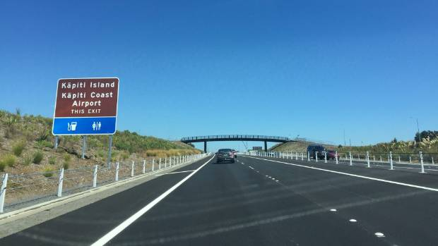 Approaching the Kapiti Rd interchange on the first section of the Kapiti expressway.