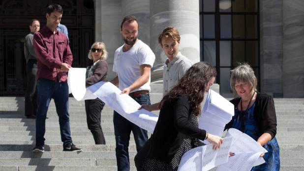 Catherine Delahunty presents a petition signed by 12,000 New Zealanders in Cable St, Wellington, which demands swimmable ...