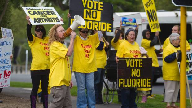 Anti-fluoride campaigners make their views known in the lead up to Hamilton's 2013 fluoride referendum.