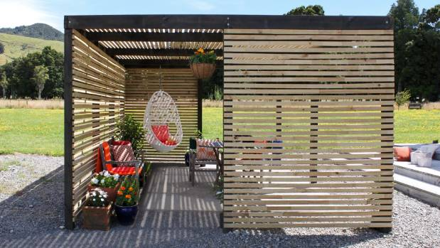 Step By Step To A Diy Garden Pergola Stuff Co Nz