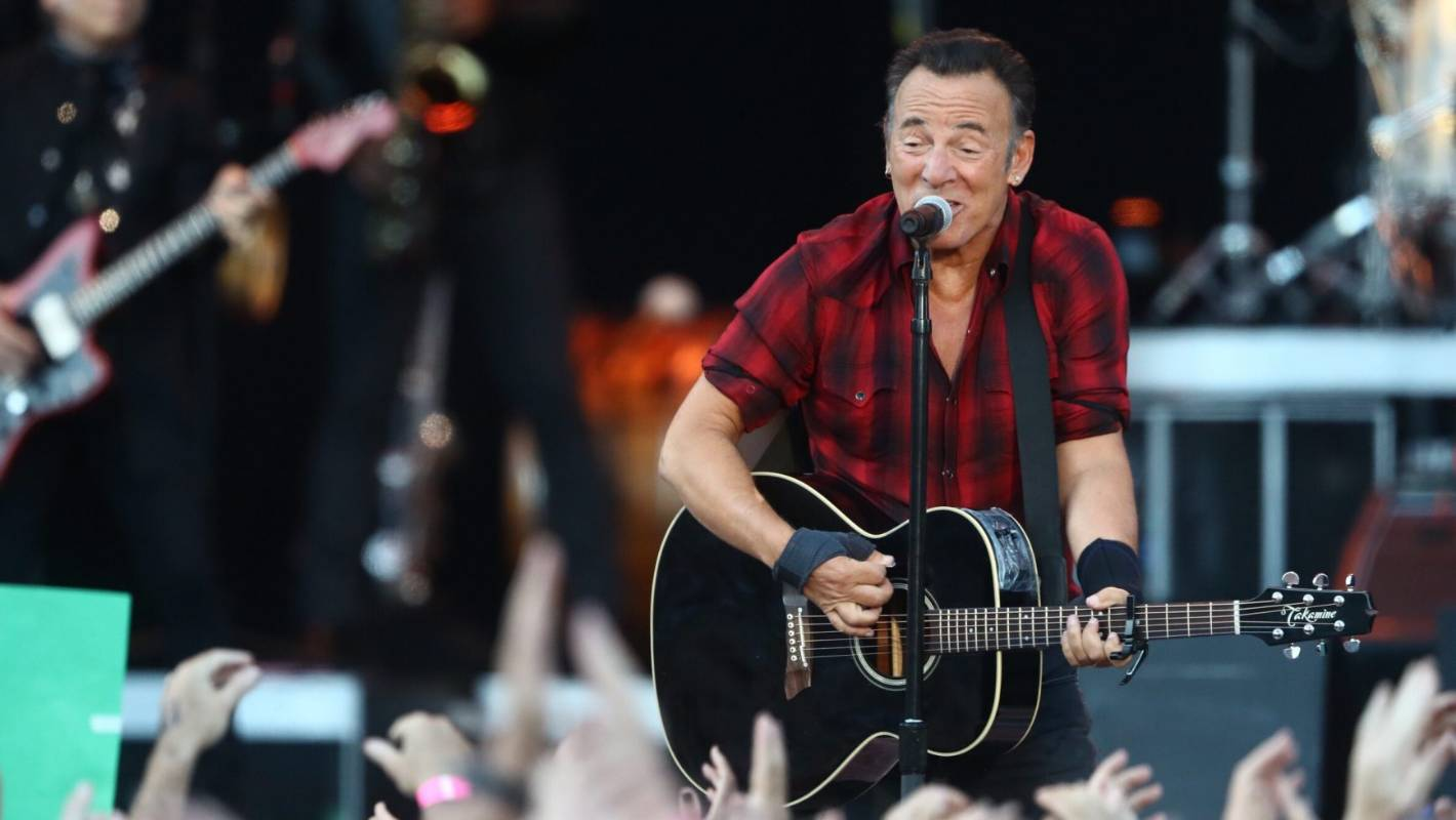 bruce springsteen a 20 something 39 s night with the boss and her 70 something mate at auckland 39 s. Black Bedroom Furniture Sets. Home Design Ideas