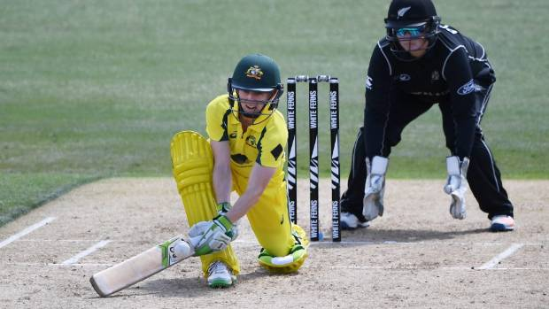 White Ferns wicketkeeper comes up with ripper catch to dismiss Aussie centurion