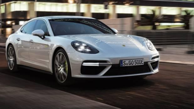 Porsche Panamera S E-Hybrid, 680 hp