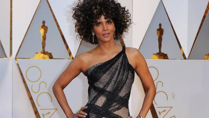 Halle Berry Sheds Oscars Dress In Style For Pool Dive Stuff