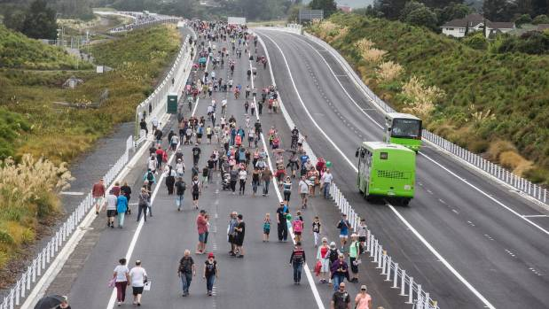Commuters have complained that the Kapiti Expressway has greatly lengthened their trip into Wellington.