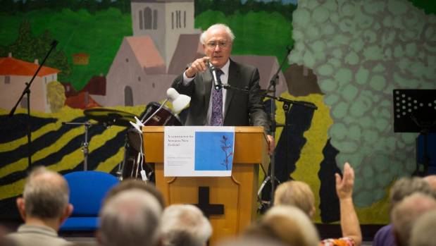Sir Geoffrey Palmer spoke to the Continuing Education Trust, a group of over 200 seniors, at the Hamilton Hillcrest ...