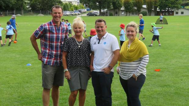 Queenstown Primary School deputy principal Matt Leach, principal Fiona Cavanagh, Fairfax NZ national events manager ...
