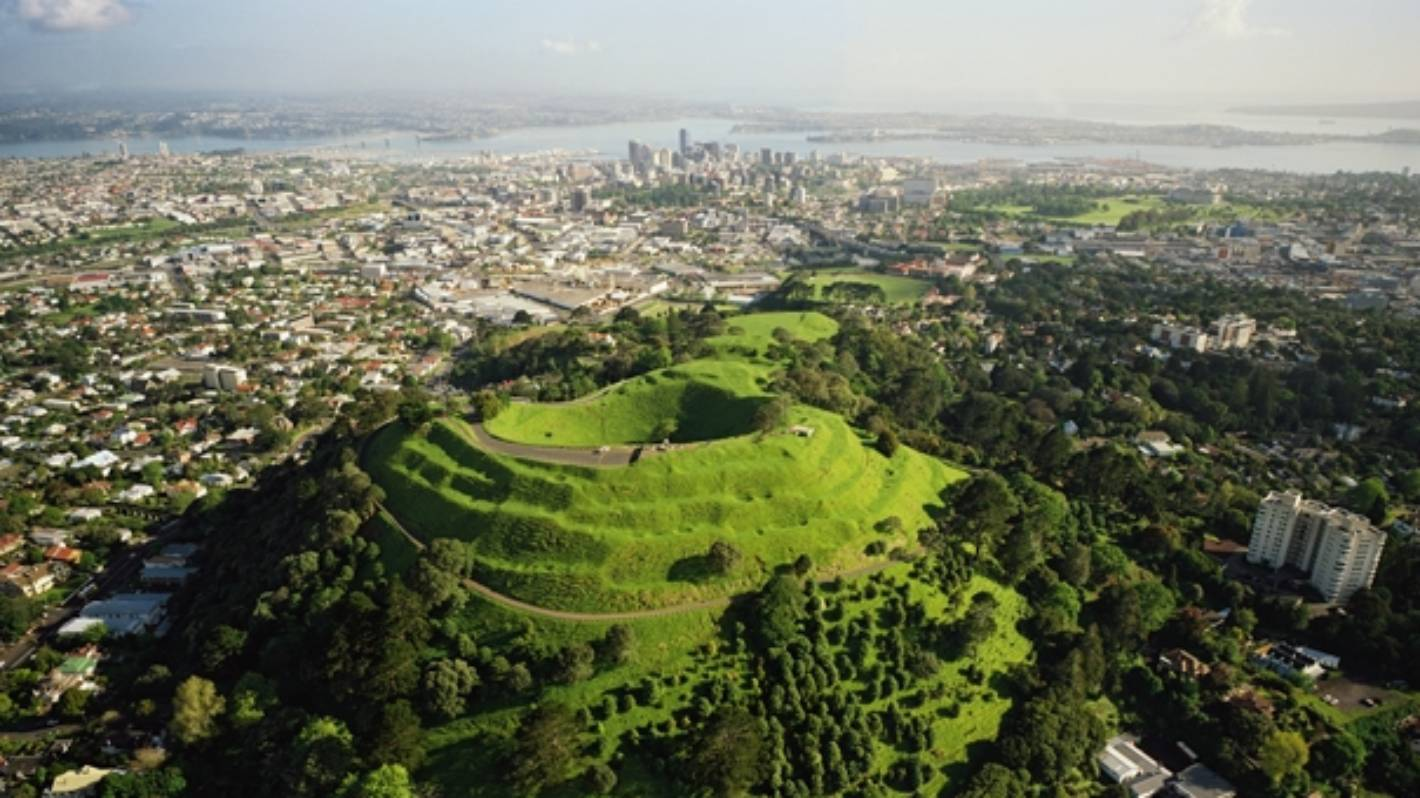 A volcanic eruption in Auckland: How to prepare