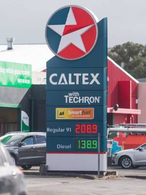 270117 News Photo. SIMON O'CONNOR/Fairfax NZGull has opened up their petrol station in New Plymouth.Pictures of other ...