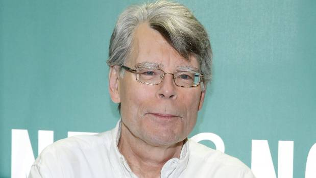 Stephen King has mocked Trumps claims of Obama's wiretapping by turning the affair into a horror story.