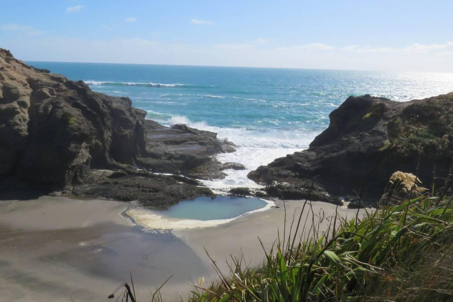 World Famous In New Zealand The Gap Puaotetai Bay Stuff