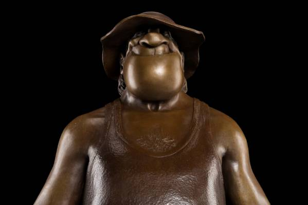 A bronze sculpture of Footrot Flats characters Wal, made by Weta Workshop. The sculptures were erected in Gisborne, ...