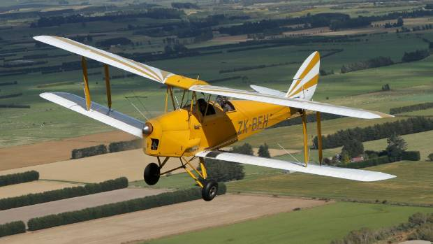 Who wouldn't enjoy soaring above the Southland countryside?
