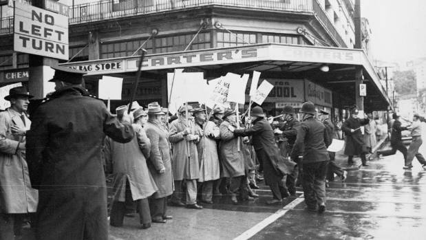 Union marchers clash with police at the intersection of Cuba St and Dixon St in Wellington on May 3, 1951.