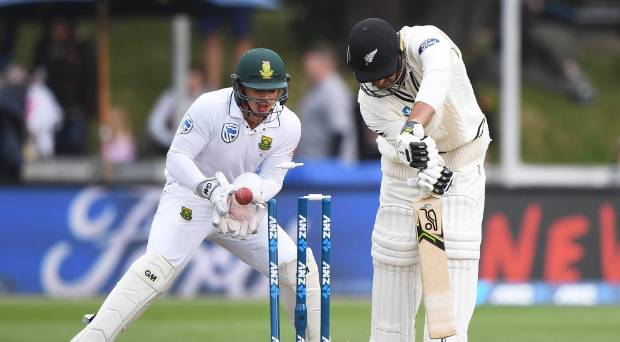 Colin de Grandhomme was rated New Zealand's best bowler in Wellington by selector Gavin Larsen, but struggled with the ...