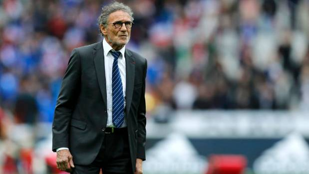 France coach Guy Noves claimed referee Wayne Barnes fell into a trap of his own making