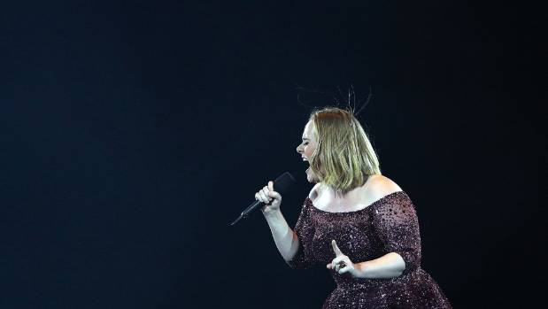 Adele Loses It At Security Guard During Her Final Australian Concert