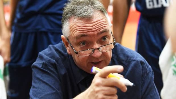 Nelson Giants coach Alan McAughtry speaks to his team during their loss to the Taranaki Mountain Airs.