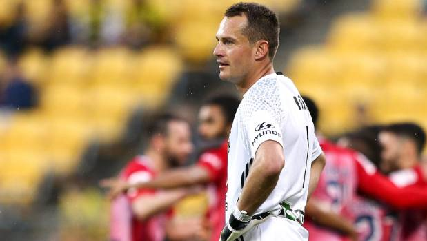 Wellington Phoenix goalkeeper Glen Moss has called his team-mates out over their most recent performances.