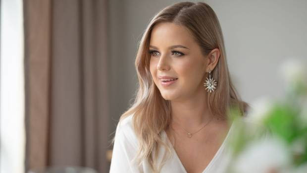 Annalee Muggeridge has launched into a full time You Tube career after leaving her job as a makeup rep.