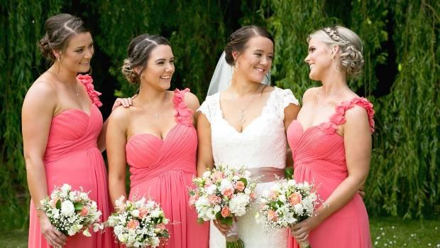 Larissa and her bridesmaids, before heading off to Darjon Vineyard.