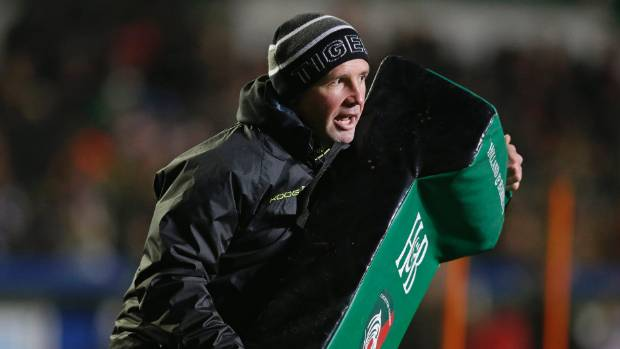 Leicester Tigers have sacked Aaron Mauger as head coach.