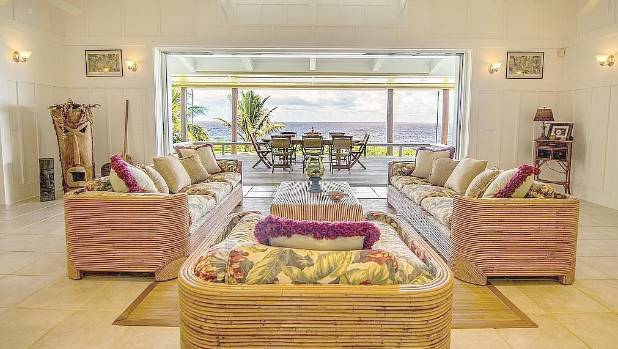 The living room has an amazing ocean view (of course) and has been decorated with touches of Hawaiian kitsch.