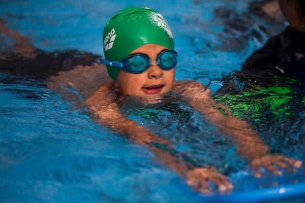 Huge turnout at palmerston north tryathlon for Palmerston north swimming pool