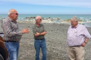 Cramac5 executive officer Larnce Wichman, left, discusses crayfish management with Cawthron Marlborough Environment ...