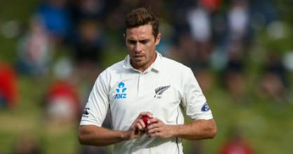 A hamstring injury has put Tim Southee  out of the New Zealand side for the third test against South Africa.