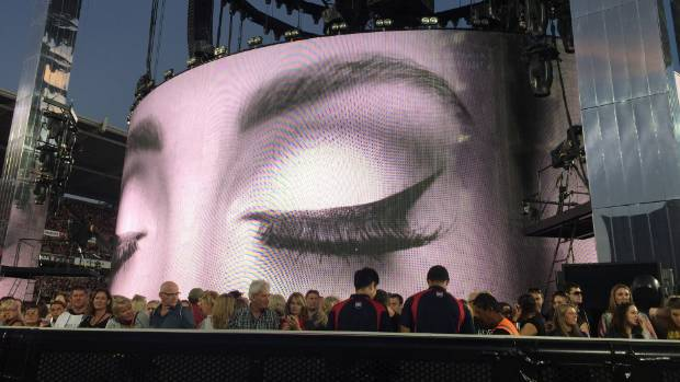 Adele Breaks Down In Tears, Says She Might Never Tour Again