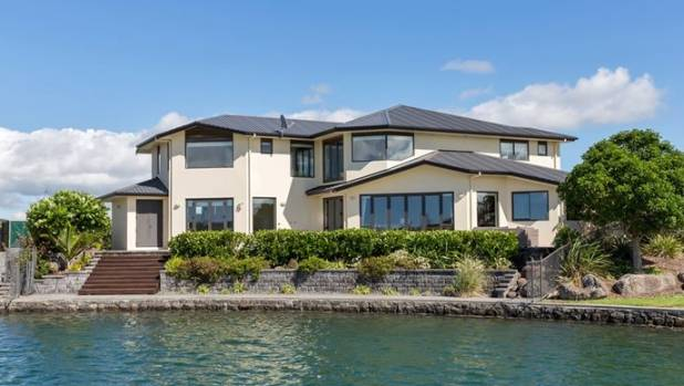 Million dollar houses more common around new zealand for New zealand mansions for sale