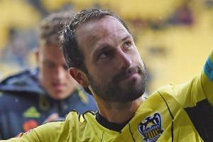 Wellington Phoenix captain Andrew Durante will be back with the squad for their crucial match against Melbourne Victory ...