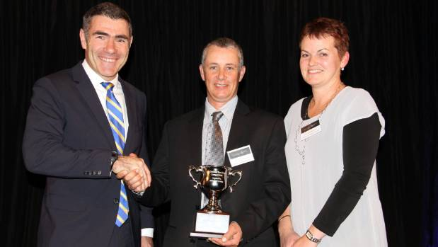 Minister for Primary Industries Nathan Guy with last year's New Zealand Ewe Hogget Competition winners Willie and ...