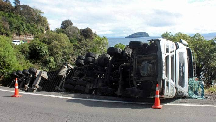 Trucks can have difficulty traversing Bulli Point, part of SH1, which is part of the reasoning behind a plan to bypass Bulli Point and have SH1 head through the forest.