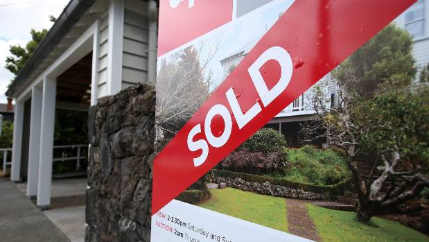 A fall in existing house prices not the answer to Auckland's housing shortage, Andrew Little says.
