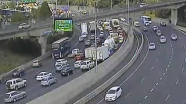 Major crash blocking lanes on Northern Motorway