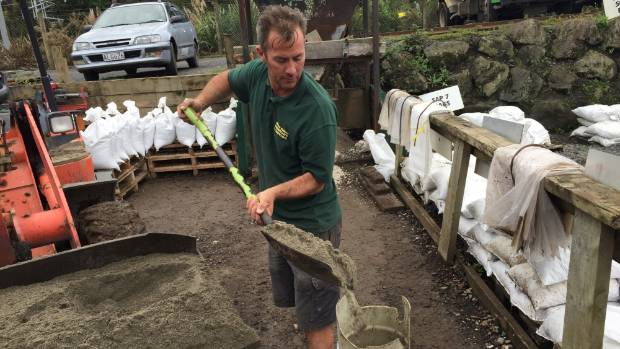 Sandbags Sell Like Hot Cakes Due To Flooding Fears In West