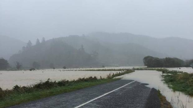 Para Rd closed by flooding