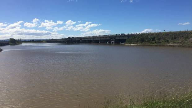 Thousands Of Litres Of Tallow Bulk Storage Spills Into Estuary