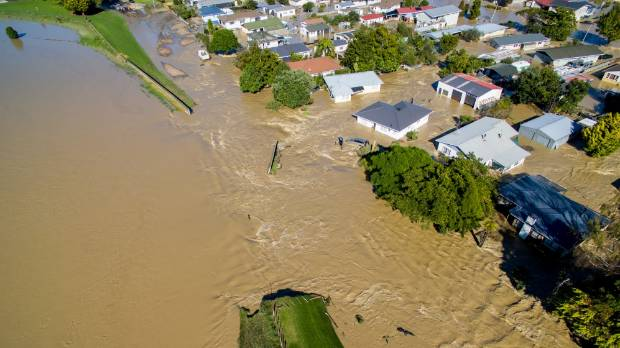 Edgecumbe flooded after ex-Cyclone Debbie merged with a low pressure system and dumped a month's worth of rain in a ...
