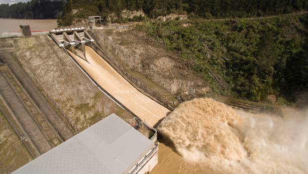 Edgecumbe residents want to know why more water wasn't spilled from the Matahina Dam to ease the pressure on the stopbanks.