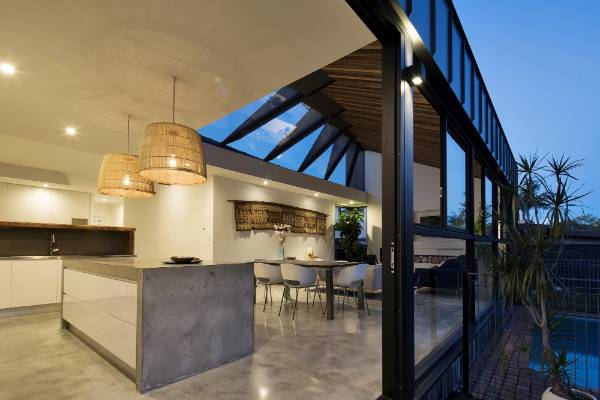 This New Bungalow Extension Faces South But Twisted Roof