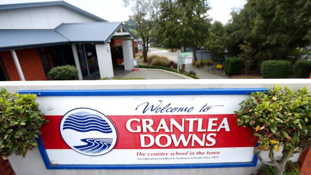 Grantlea Downs primary school has defended its decision to prevent the HPV vaccine being given to pupils on school grounds.